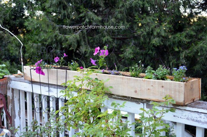 DIY fence board planters, FlowerPatchFarmhouse.com