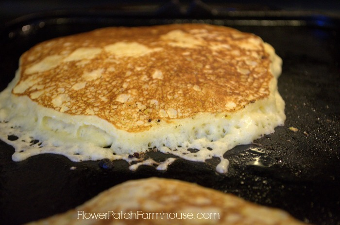how to make homemade buttermilk pancakes from scratch