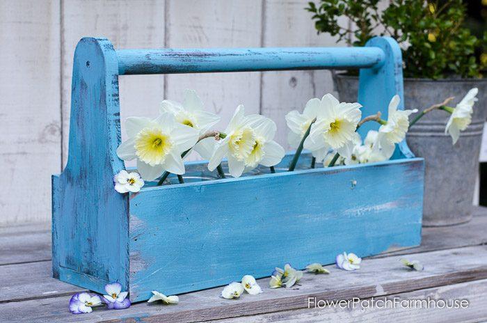Build a Rustic Toolbox, FlowerPatchFarmhouse.com