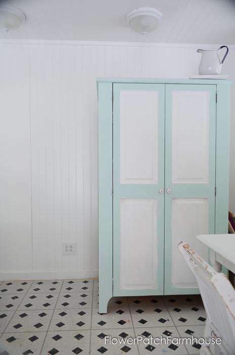 She Shed Studio Cottage Interior, FlowerPatchFarmhouse.com (5 of 10)