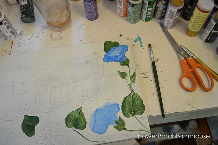 How to Paint Beautiful Morning Glories. Add a gorgeous touch of blue to your decor, craft project or painting. Step by step, one stroke at a time, learn to paint these beautiful blooms! Easy for beginners, fun for everyone.