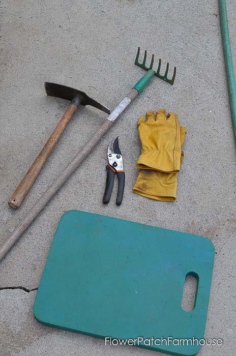 garden tools to start an easy garden for beginners